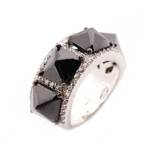 Inel argint 925, cu granate si pietre zirconia, bijuteria perfecta pentru o ocazie speciala